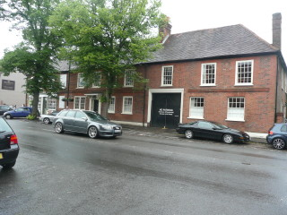 The former Bull Inn in London End