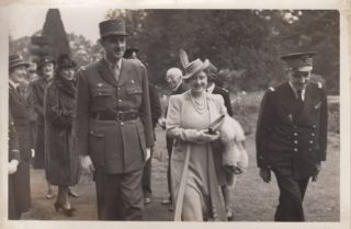 Queen Elizabeth visits the Free French with General Charles de Gaulle in 1940 | Beaconsfield & District Historical Society