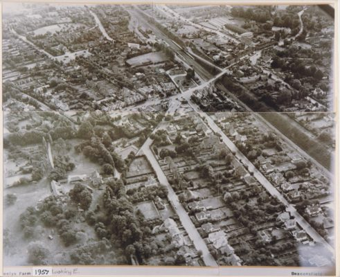Black & white aerial photograph showing Broadway and Seeleys Farm | Unknown