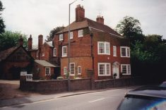 Colour photograph of Wycombe End House in Wycombe End